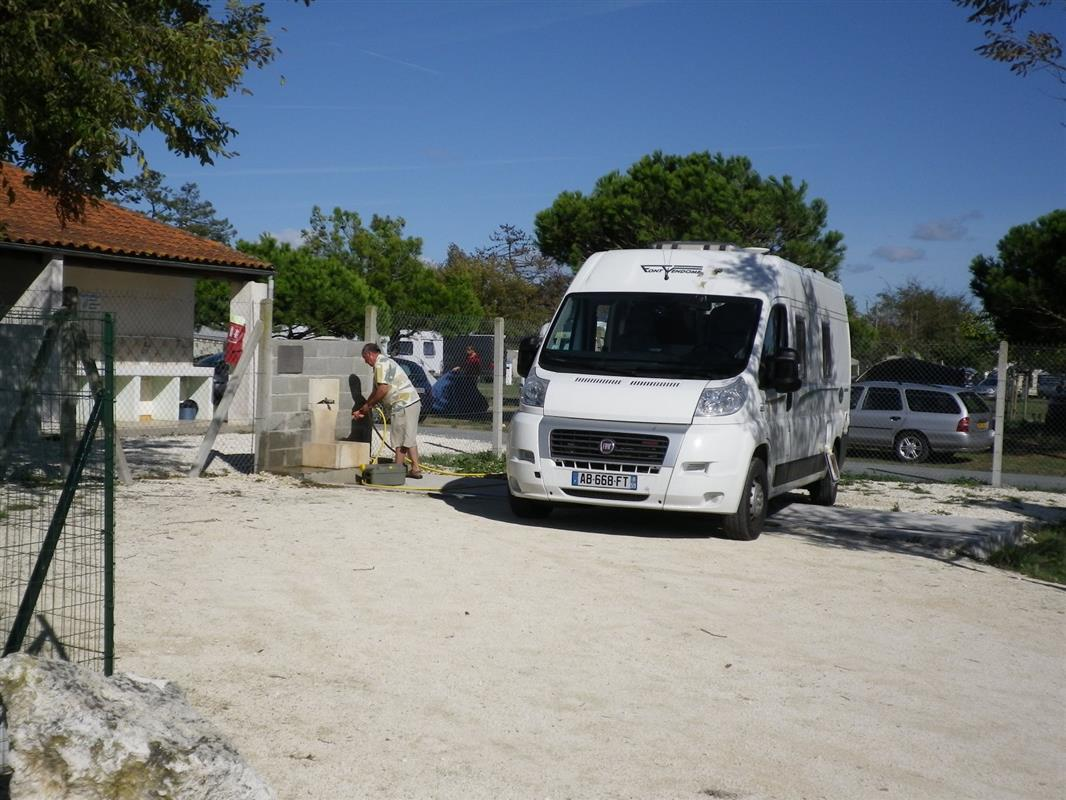 Motorhomes campsite near la rochelle and royan pitches for tents caravans and motorhomes in - Camping la garenne port des barques ...